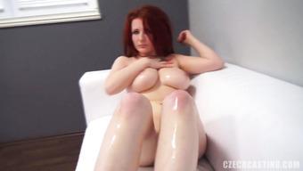Студентка отправилась на порно кастинг