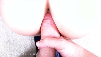 Развратник снимает свой секс от первого лица